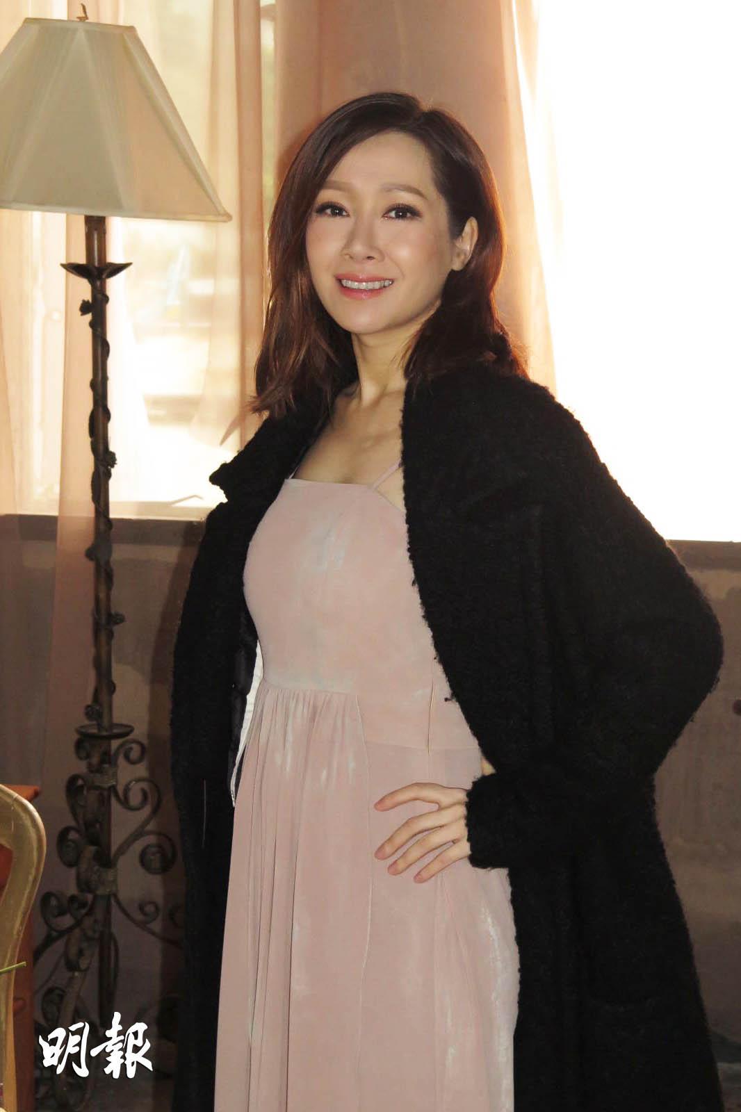懷孕4個多月的關心妍拍攝MV,腹部微隆。(楊安莉攝)