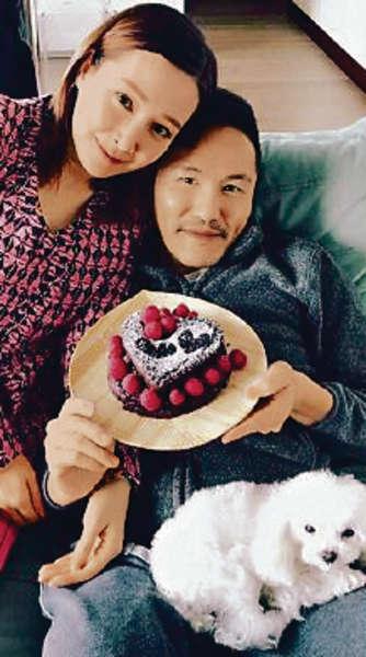 結婚六年,楊長智照顧老婆無微不至。