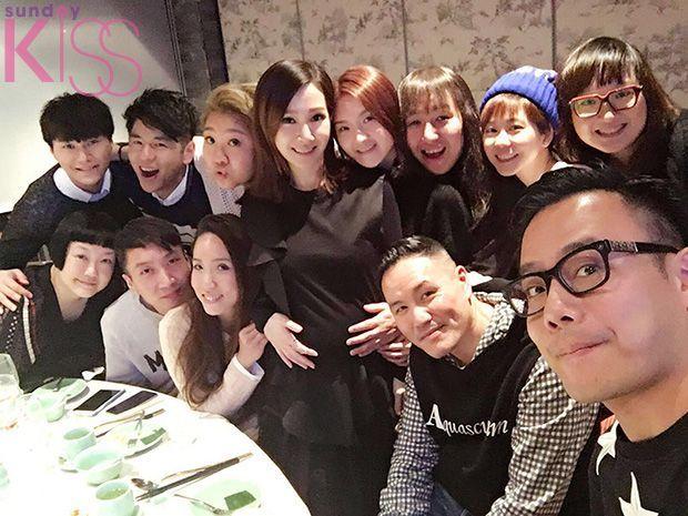 一班歌手包括欣宜、林欣彤、許廷鏗及胡鴻鈞等相約Jade飯敍,祝賀她生個肥肥白白靚B。
