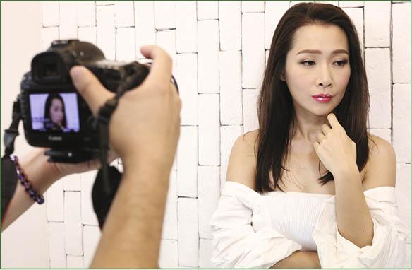 有一段時間沒有面對鏡頭,Jade也沒有不習慣。