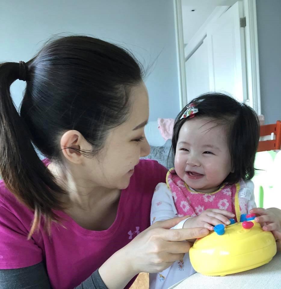 關心妍認為照顧女兒最重要是有耐性及創意。(關心妍FB圖片)