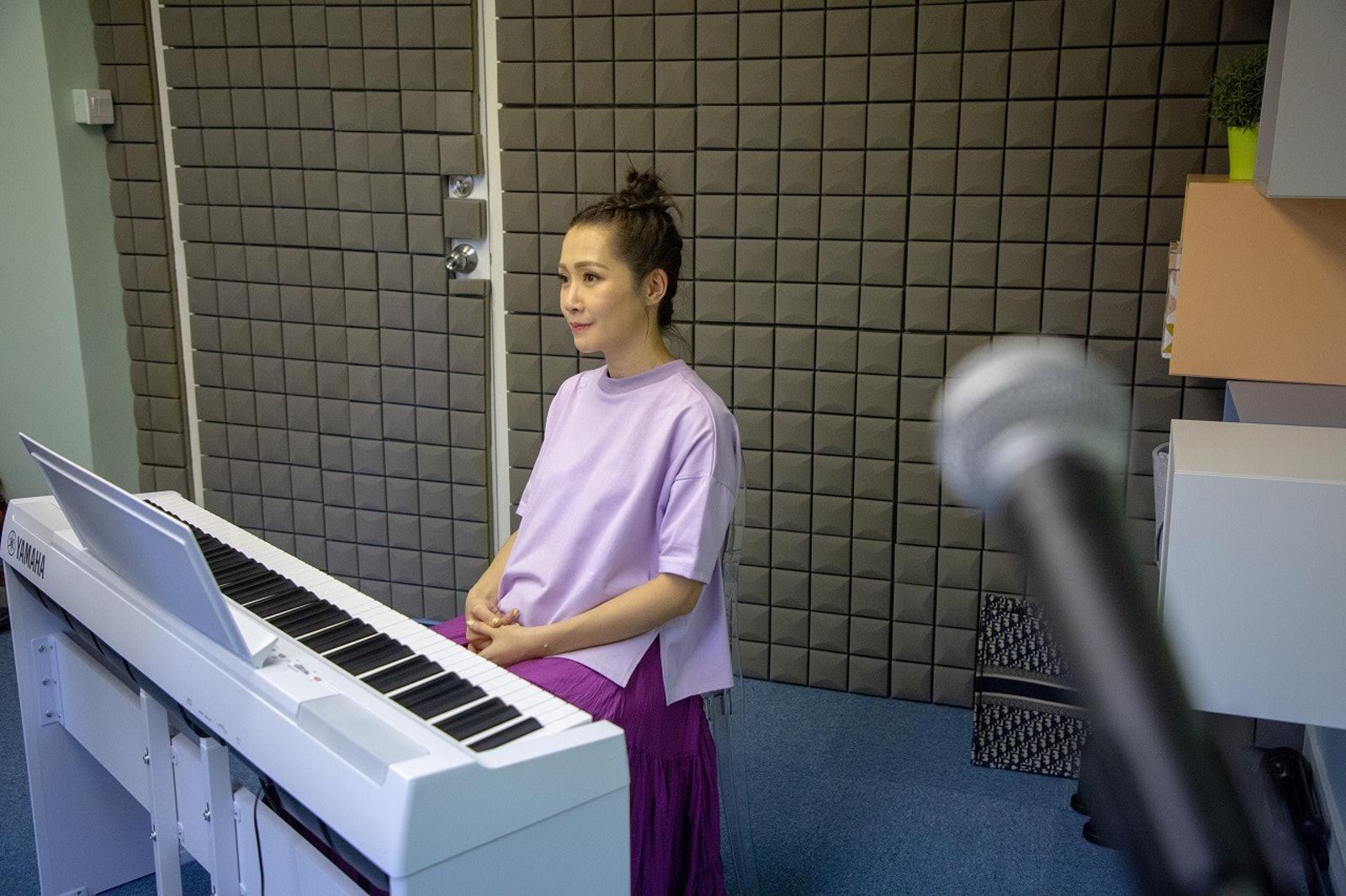 關心妍的教室雖然很小,但音樂所及心靈之境郤是無限大。(葉志明攝)