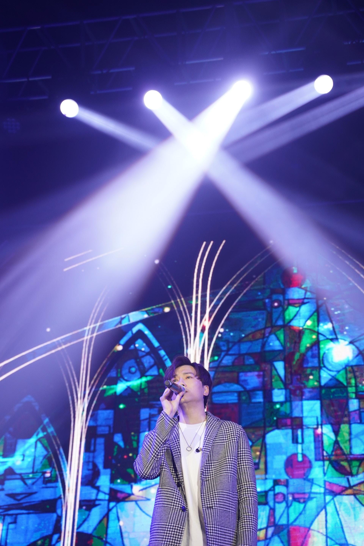 演唱會邀請到羅力威擔任嘉賓 。