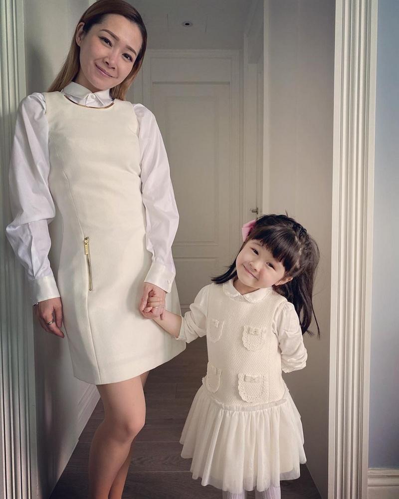 Image 2 of 2 - 關心妍的4歲女兒楊榮心跟她一樣熱愛音樂。(關心妍Instagram圖片)